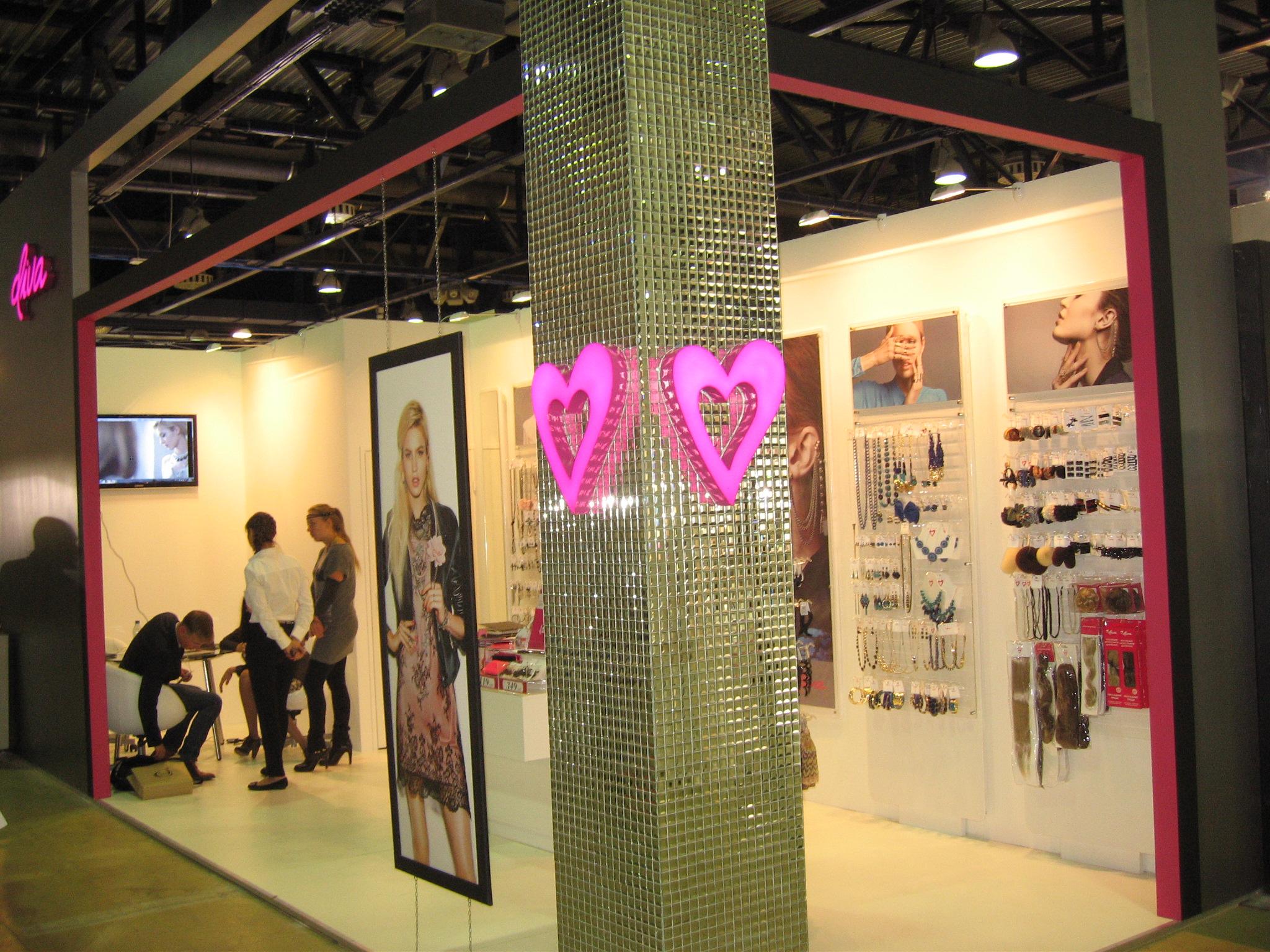 Застройка выставочных стендов для модной индустрии